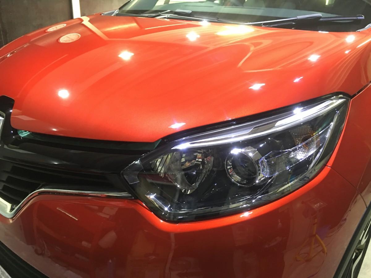 新車も細かい線キズあり ルノー・キャプチャー 宮崎 ファインファクトリー